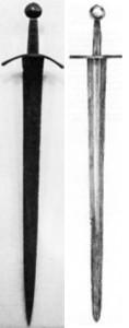 Typowe miecze jednoręczne, XII-XIII wiek.  Każdy waży w okolicach 1 kg.